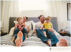 Casual and fun family portrait at home // Family Lifestyle Portrait by Natalie Moser