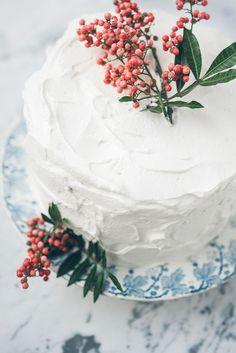 pretty winter cake