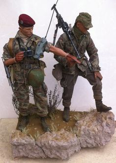 Cold War (Post to French para patrol in the Djebel - OSW: One Sixth Warrior Forum Tilt Shift Photography, British Army Uniform, Military Action Figures, Military Modelling, Military Diorama, Army Soldier, Illustrations, Modern Warfare, Model Kits