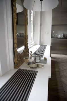 radiator cover inset into window bench Interior Design Living Room, Living Room Decor, Decor Interior Design, Interior Decorating, Casa Milano, Window Benches, Radiator Cover, Easy Home Decor, Diy Furniture