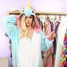 Look how Alisha Marie rocks the unicorn weezie! Aesthetic Photo, Aesthetic Pictures, Alisha Marie Instagram, Onesie Pajamas, Youtube Stars, Tips Belleza, Onesies, Celebs, Female Celebrities