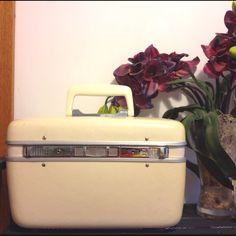 Vintage beauty case