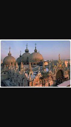 Basilica di San Marco, 1063.Stile romanico-bizantino-gotico.Venezia.
