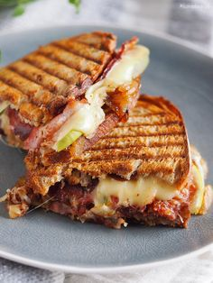 Absolutely delicious bacon, brie and caramelized onion grilled sandwich. ( in English and Polish) Wrap Recipes, Milk Recipes, Cooking Recipes, Good Food, Yummy Food, Grilled Sandwich, English Food, Caramelized Onions, Street Food