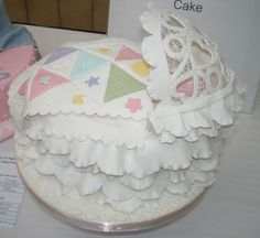 Cake Competition, Cake Decorating Courses, Gum Paste, No Cook Meals, Baby Gifts, Pregnancy, Join, Baby Shower, Babyshower