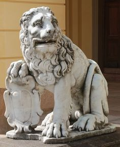 Marble lions from the Ujazdów Castle in Warsaw by Anonymous from Italy, 1630s, Drottningholm Palace. #17thcentury #artinpl #sculpture