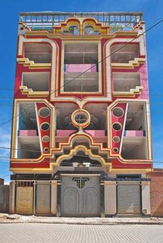 architecture - The Colorful Mansions of El Alto Unusual Buildings, Art Deco Buildings, Colourful Buildings, Amazing Buildings, Modern Buildings, Contemporary Architecture, Amazing Architecture, Art And Architecture, Bolivia