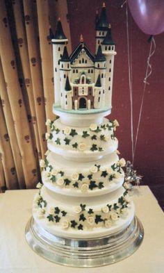 big castle wedding cake
