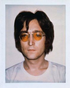Andy Warhol and his celebrity polaroid portraits. - ar+ - Andy Warhol and his celebrity polaroid portraits. Imagine John Lennon, John Lennon And Yoko, Elvis Costello, Alan Walker, American Apparel Pub, The Beatles, Beatles Bible, Beatles Poster, Joe Strummer