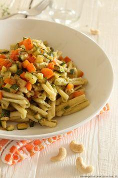 Caserecce con pesto di anacardi alle erbette e verdure    #vegan #vegetarian