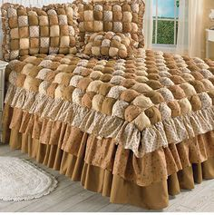 Sarah Puff Quilt Bedspread in Brown - Full Bedspreads Comforters, Quilted Bedspreads, Draps Design, Interior Design Living Room, Living Room Decor, Biscuit Quilt, Puffy Quilt, Bed Cover Design, Home Decor Furniture