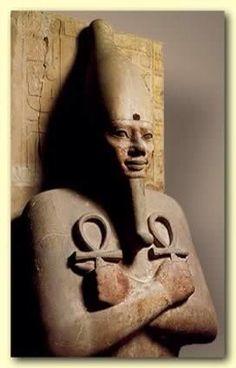 anu cruz_anu Cruz de Anu: Utilizada tanto por assírios como caldeus para representar seu deus Anu, esse símbolo sugere a irradiação da divindade em todas as direções do espaço. http://cassiafiletti.wordpress.com/2009/03/29/a-cruz-e-seus-significados/
