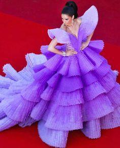 Rita Sririta Jensen in Michael Cinco Couture at the Cannes Film Festival premiere for Rocketman on May Michael Cinco Couture, Peach Gown, High Fashion Makeup, Green Gown, Ballroom Dance Dresses, Luxury Dress, Priyanka Chopra, Alessandra Ambrosio, Cannes Film Festival