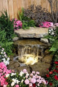 Lovely Backyard Waterfall And Pond Landscaping Ideas - 庭のアイデア Small Water Features, Water Features In The Garden, Stone Water Features, Outdoor Water Features, Garden Features, Backyard Water Feature, Ponds Backyard, Outdoor Ponds, Outdoor Fountains