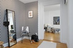 Black and white modern wallpaper in hallway Modern Wallpaper, Wall Wallpaper, Bathroom Inspiration, Interior Inspiration, Home Interior Design, Interior Decorating, Appartement Design, New Living Room, Cool Walls
