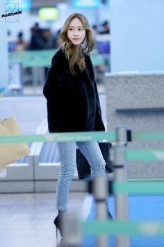 Taeyeon Jessica, Jessica & Krystal, Krystal Jung, Snsd Fashion, Korean Fashion, Jessica Jung Fashion, Airport Style, Airport Fashion, Korean Celebrities