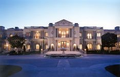 Mansion Homes, Dream Mansion, Mansion Interior, Dream Home Design, Modern House Design, Big Mansions, Modern Mansion, Luxury Homes Dream Houses, Expensive Houses