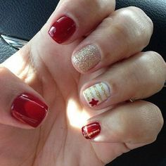 Red Nail Designs 2014 - Nail Designs Tips Cute Red Nails, Red And Gold Nails, Fancy Nails, Trendy Nails, Red Gold, White Gold, White Glitter, White Nails, Xmas Nails