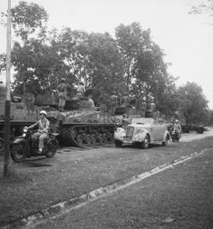 Sherman Tank, Surabaya, Colonial, Netherlands, Indie, Album, Photo And Video, History, Java