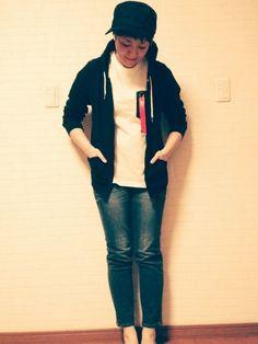 おこんばんは(*´ω`*) ALPHAの半袖Tシャツ買いました♥♥♥ まだ寒いですがパーカーと合わ