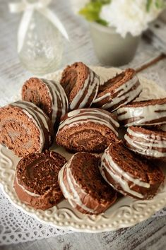 Romanian Desserts, Pavlova, Something Sweet, Sweet Treats, Cheesecake, Deserts, Muffin, Projects To Try, Dessert Recipes
