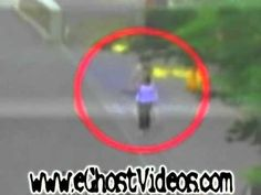 You Won't Sleep Tonight When You See What These 10 Videos Have In Common - Pictures and Trending Stories Around the Web Paranormal Videos, Paranormal Photos, Ghost Stories, True Stories, Ghost Videos, Ghost Sightings, Monster Under The Bed, Ghost Hauntings, Unexplained Mysteries