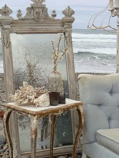 4 Attractive Hacks: Shabby Chic Mirror Sweets shabby chic home decorations.Shabby Chic White Old Windows shabby chic living room curtains. Shabby Chic Beach, Shabby Chic Kitchen, Shabby Chic Homes, Shabby Chic Decor, Rustic Decor, Boho Chic, Rustic Wood, Parisian Decor, Antique Decor