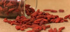 Goji berries are rich in fiber, have a low glycemic index, help in achieving weight loss, blood circulation, stamina and reduce fatigue levels.