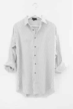 00f8401d45f Button up and collared pinstriped shirt - Oversized