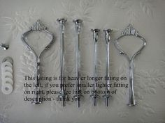 5 Sets of Heavy Crown 3 Tier Cake Stand Handle / Fitting    These fittings are heavier & longer than the other Crown style available in my shop - pls see pic 3 for comparison    Each rod measures 12.9cm allowing 11.5cm gap between each plate - handle height is 12.6cm Suitable for a 6mm hole    Each Set includes:  •Silver Metal Crown 3 Tier Centre fitting  •5 washers  •1 metal washer  •1 flat head screw    For lighter fittings please see…