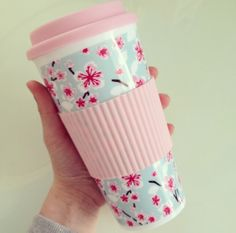 Love mine from the Dollar Store, but this one from Primark is beautiful. There's always a little room in the kitchen for a termo-mug. Travel mug ♡ you can get them from primark or new look Coffee Cups, Tea Cups, Cute Water Bottles, Thermal Mug, Just Girly Things, Girl Things, Girly Stuff, New Fashion Trends, Fashion Ideas