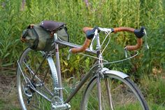 vintage touring bike being give away on lovely bike. pretty.