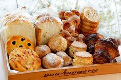 """パン好きの皆さんお待たせしました!!笑 あのパンをついに!ついに!注文しましたー!!!!! 高知市百石町で""""食べると ニッコリ笑顔になるパン""""を作っているパン工房だんだんさん♡ 素敵なご夫婦がオーナーをされて Stuffed Mushrooms, Bread, Vegetables, Food, Stuff Mushrooms, Brot, Essen, Vegetable Recipes, Baking"""