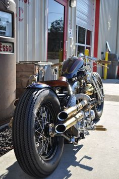 Steam punk brass : Harley-Davidson modern retro bobber - repinned on http://gasnride.com