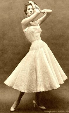 Barbara Mullen ♥ Vogue 1953