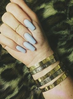 Kylie Jenner - Blue Nails, I want the love bracelets as well Kylie Jenner Watch, Uñas Kylie Jenner, Kylie Jenner Cartier, Rihanna Nails, Kylie Nails, Love Nails, How To Do Nails, My Nails, Gorgeous Nails