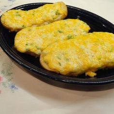Cheesy Crack Bread Cheesy Recipes, Bread Recipes, Cooking Recipes, Quick Recipes, Yummy Recipes, Football Party Food Menu, Crack Bread, Cheese Appetizers, Appetizer Recipes