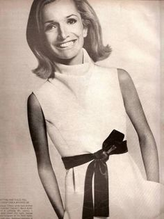 lovely Lee Radziwill, sister of Jackie Kennedy Lee Radziwill, Les Kennedy, Jacqueline Kennedy Onassis, Jaqueline Kennedy, Trendy Fashion, Fashion Beauty, Vintage Fashion, Coco Fashion, Olivia Palermo