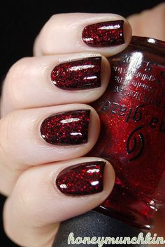 Nails are one of the most decorated areas of the human body. A beautifully designed nail is a woman's proud makeup possession. In this article, we are showing to you 30 great Red and Black nail designs that can be used to enhance the beauty of your nails. Fall Nail Art Designs, Black Nail Designs, Holiday Nails, Christmas Nails, Christmas China, Christmas Glitter, Nail Art Paillette, Nagel Stamping, Nail Lacquer