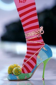 Knitted shoes... for Lindsay Whatley!