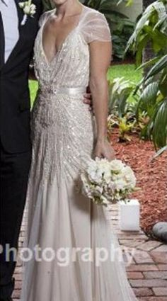 Jenny Packam Willow... the back is soooo gorgeous as well!! This is THE dress.