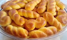 Κουλουράκια φανταστικά αφράτα !!! Greek Sweets, Greek Desserts, Greek Recipes, Sweets Recipes, Cookie Recipes, Greek Cookies, Biscuit Bar, Baklava Recipe, Italian Pastries
