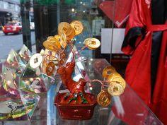 Arbol con monedas chinas