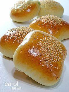 Carol 自在生活 : 乳酪蔥燒麵包