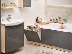 Bathroom renovations - 40 Smart And Creative Storage For Small Spaces Ideas Bathroom Design Luxury, Bathroom Design Small, Small Bathroom With Bath, Small Bathroom Renovations, Bathroom Remodeling, Toilette Design, Small Space Storage, Hidden Storage, Creative Storage