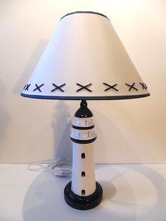 Grande lampe phare blanche