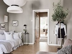 Cozy Small Flat in Serene Earthy Hues - Nordic Design Small Apartments, Small Spaces, Scandinavian Style Bedroom, Scandinavian Interiors, Beige Room, Flat Interior, Simple Furniture, Small Apartment Decorating, Beautiful Interior Design