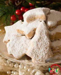 + tips & variations) Keto Butter Cookies, Italian Butter Cookies, Danish Butter Cookies, Almond Cookies, Greek Cookies, Jam Cookies, Greek Kourabiedes Recipe, Butter Cookies Christmas, Greek Desserts