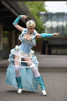 Steampunk Frozen Elsa Cosplay by Juli Cybercat, Photo by Ulrich W