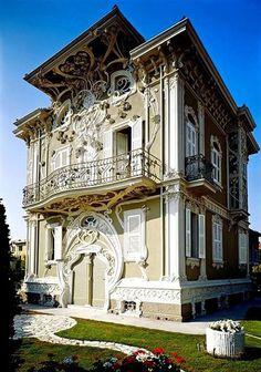 Villino Ruggeri, Pesaro, Italia. Costruito tra il 1904 e il 1908 dall'architetto Giuseppe Brega.